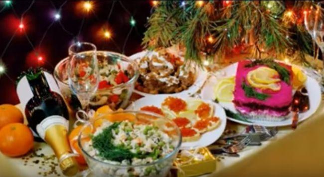 Новогодний стол 2018. Какие нужно готовить блюда для встречи года