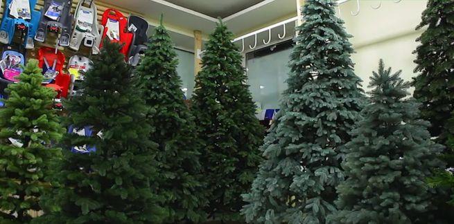 выбрать красивую искусственную новогоднюю елку