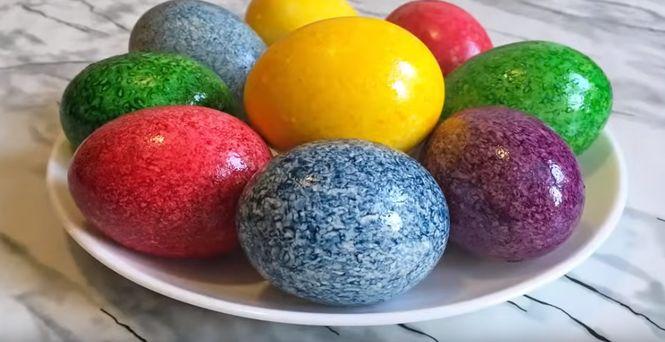расписываем яйца на Пасху