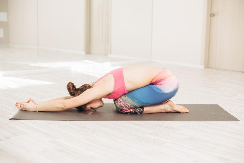 eltorzítja a karok és a lábak ízületeit ízületi fájdalom és izomtabletták