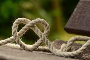 愛のロープ