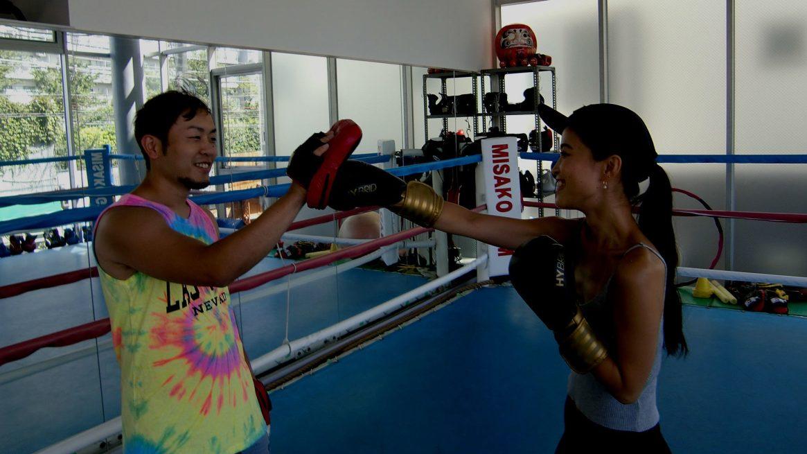 プロボクサーを目指す方から、運動不足解消、フィットネス希望の方まで、目的に応じたレッスンをします。