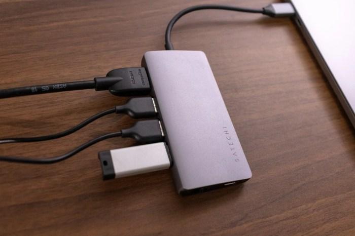 Satechi V2 マルチ USB-Cハブはかなり多くの接続ポートを備える