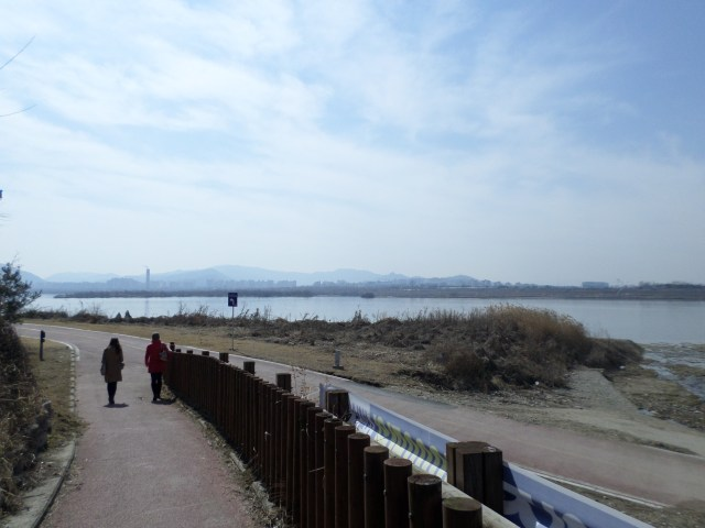 View of the Han River in Dosim