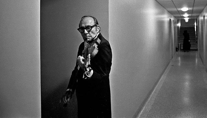 Jack Benny playing violin