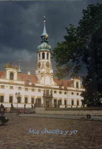 Iglesia Loreto, Praga