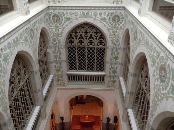 Patio de luces del palacio de can Mercader