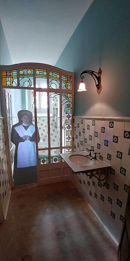 Visita a la casa museo Lluís Domènech i Montaner baño