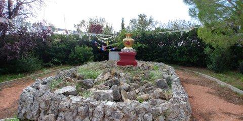 Rincón con imagineria budista