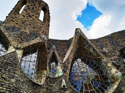 Parte de la Cripta vista desde el exterior