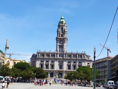 Fachada del ayuntamiento de Oporto
