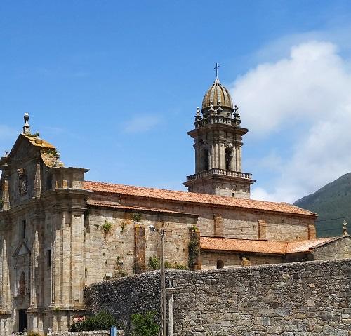 Fachada del Monasterio de Oia