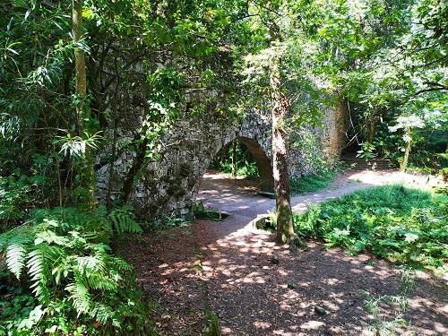 El Puente romano en el Bosque encantado de Aldán