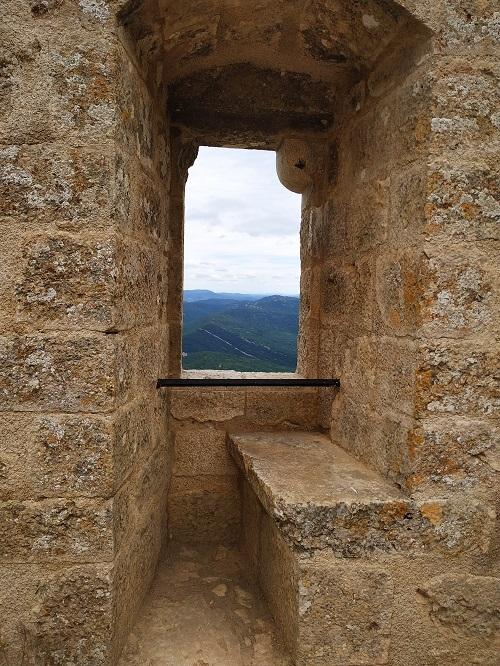 Ventana con mirador estilo gótico, Francia