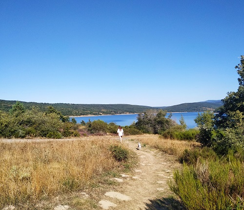 Camino, embalse de Úzquiza