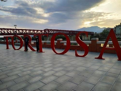 Tortosa, letras a la orilla del Ebro