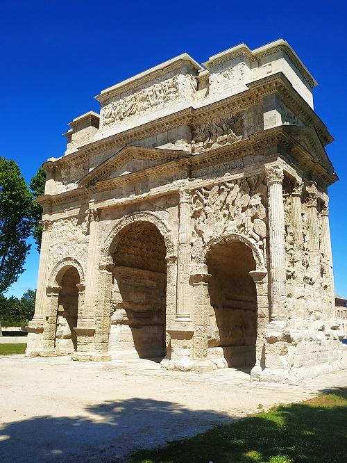 Arco del Triunfo, Aurenja