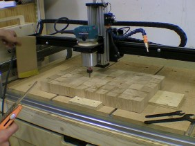 Levelling Oak Chopping Board with CNC Router Machine