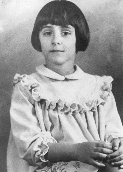 Antonieta Meo - veio falecer vítima de câncer, aos seis anos de idade. Sua santidade lhe deu o título de 'Venerável'.