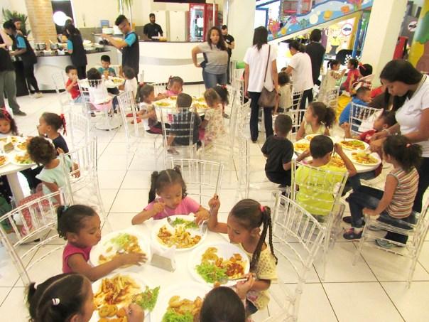 O Buffet Ratimbum fez um serviço impecável para as crianças