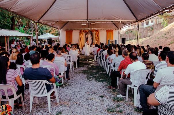 Cerca de 400 pessoas participaram da Missa