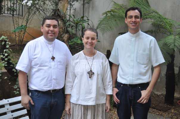 Pe. Custódio, Mary de Calcutá e Pe. Evandro