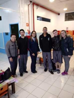 Alguns alunos e colaboradores da Creche.
