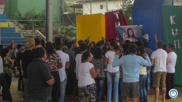 Momento de oração no Encontro TK e Ibiuna.