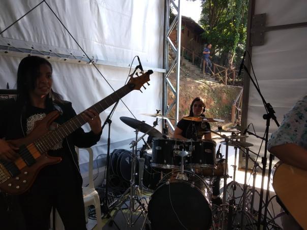 Baterista e baixista