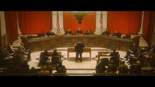 cena do filme o Direito de Viver: Suprema Corte dos Estados Unidos
