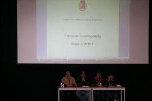 Sessão de esclarecimentos sobre a Gripe A (H1N1) Sessão de esclarecimentos sobre a Gripe A (H1N1) Sessão de esclarecimentos sobre a Gripe A (H1N1)