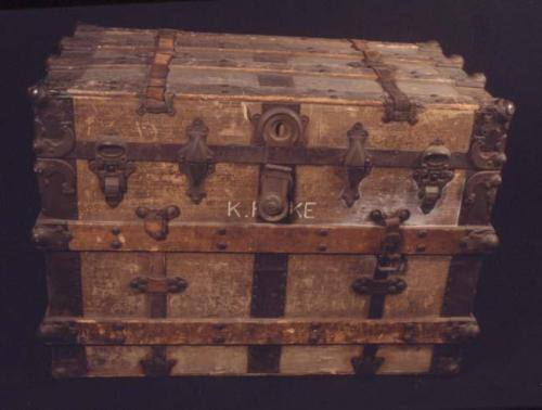 steamer-trunk