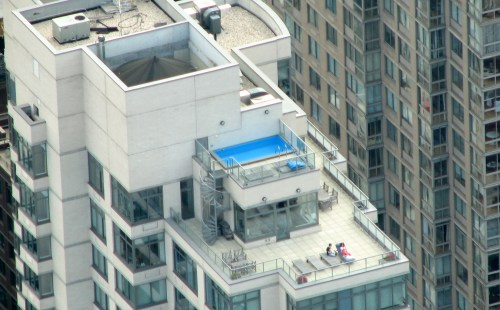Rooftop_pool_NYC