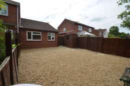 2 bedroom Bungalows to rent-000007636_1510_IMG_07