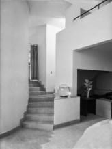 Therese Bonney + Depart d'escalier de la Villa des freres Martel + c1928 +Mediatheque + Charenton-le-Pont