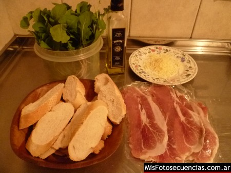Brusquetas de jamón crudo y rúcula