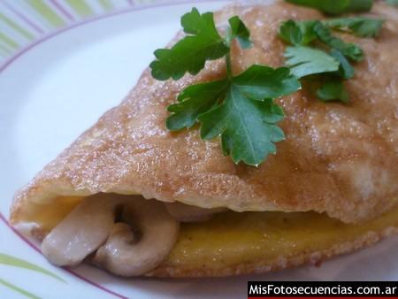 Omelette con champiñones