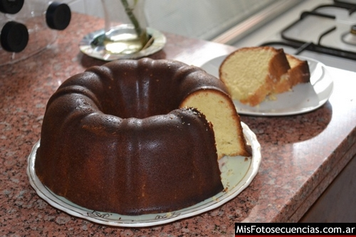Lemon-Vanilla-Bundt-Cake_0006