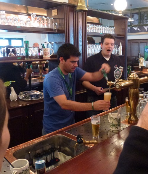 Como servir una buena cerveza