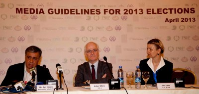 Media Guidelines for Elections 2013 in Pakistan in the picture (R-L):  Arif Nizami, Federal Minister for Information and Broadcasting,  Aidan White, Director of the Ethical Journalism and European Union,  Election Observer Mission's media analyst Inta Lase