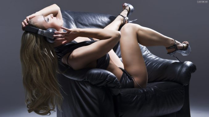 10 самых сексуальных диджеев