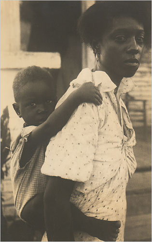negritudd-7-madre-e-hijo-1930-foto-eudora-welty-missisipi-department-of-archives-and-history-the-new-york-times