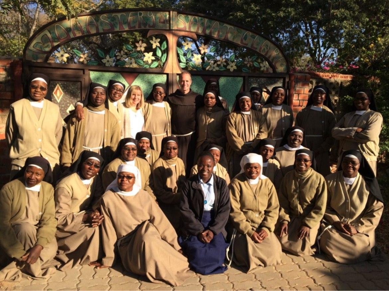 Con las Hermanas de la Caridad en Malawi en el 2016