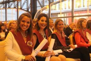 Estudiantes en su acto de graduación