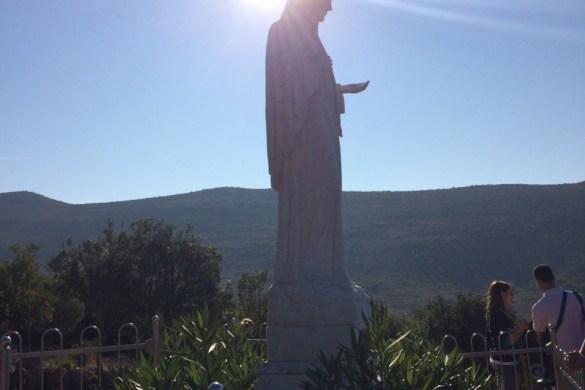 Imagen de Maria en la cima del cerro Podbrdo