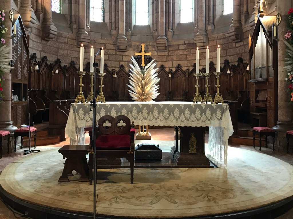 Altar principal del Santuario