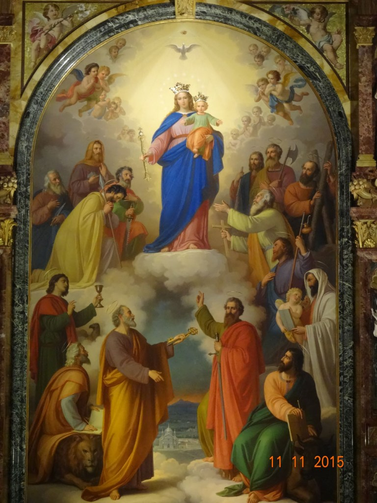 Cuadro de Maria Auxiliadora en el altar mayor