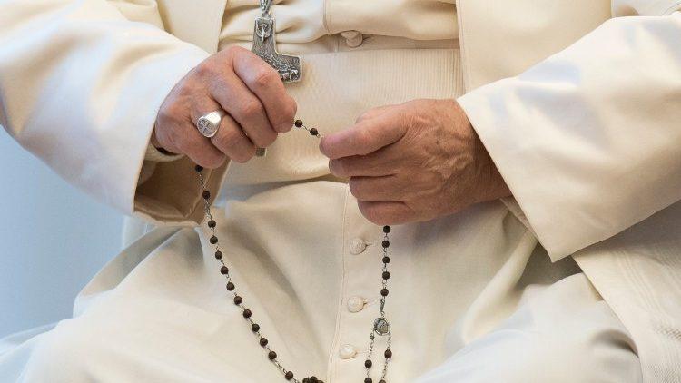 El Papa y el rosario