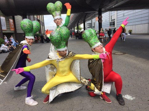 Their Mars Attack Cosplay were so awesome haha
