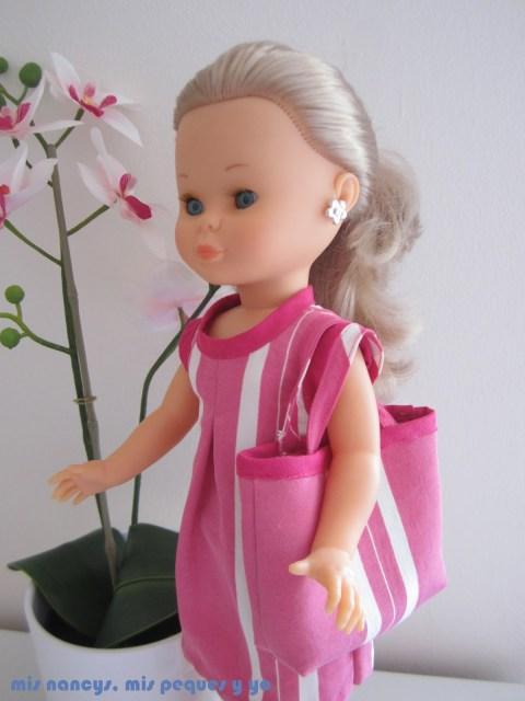 mis nancys, mis peques y yo, tutorial bolsa playera Nancy, Nancy con su bolsa